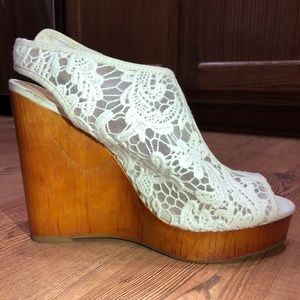 Lucky Brand Wood Lace Wedges